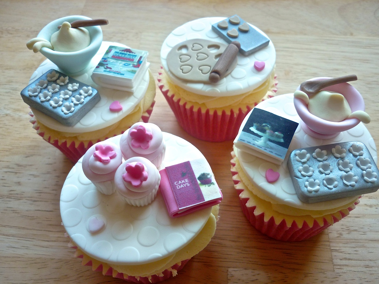 Jolly Scrumptious Cupcakes